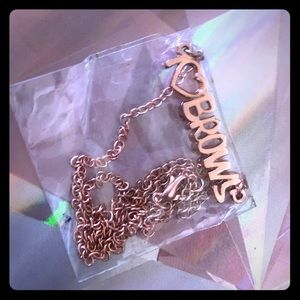 Benefit Cosmetics 'I ♥️ Brows' necklace